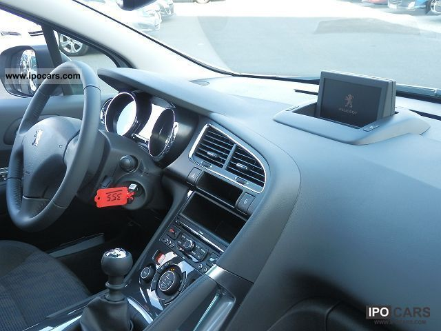 2012 peugeot 3008 1 6 hdi 112 active toit pano gps car. Black Bedroom Furniture Sets. Home Design Ideas