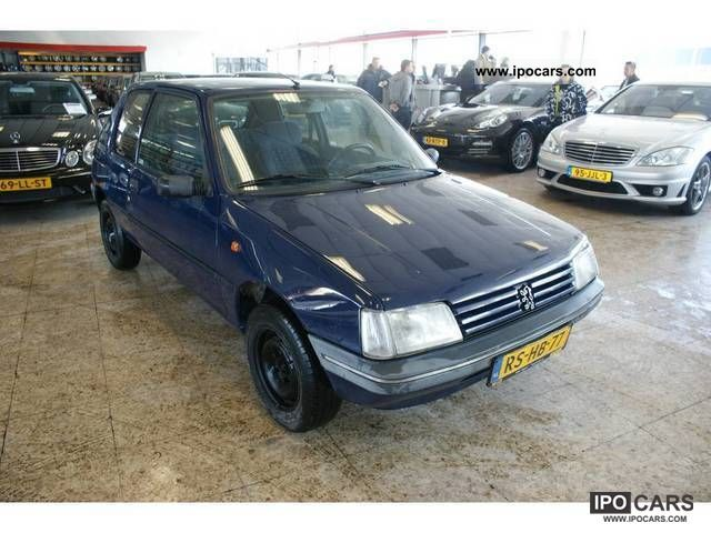 1997 Peugeot  205 1.4 GENERATION Limousine Used vehicle photo