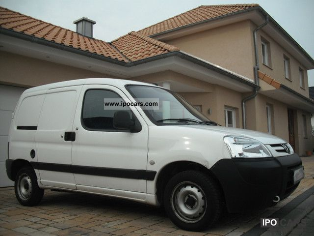 2005 Peugeot  Partner HDi 75 Comfort 190 C € Top Condition 4 Van / Minibus Used vehicle photo