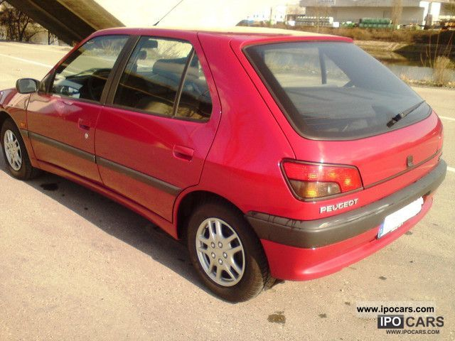1995 peugeot 306 xt automatik 92tkm servo central t car photo and specs. Black Bedroom Furniture Sets. Home Design Ideas