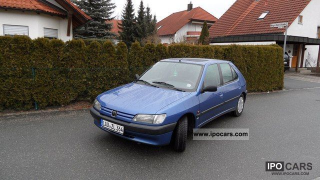 1995 Peugeot  306 XT Limousine Used vehicle photo