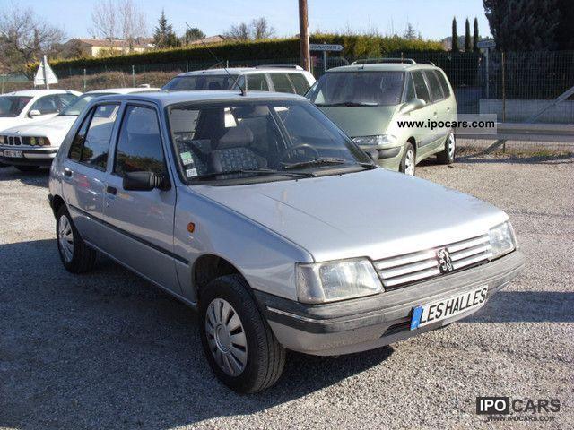 1996 Peugeot  205 1.7 D Sacre Numéro Small Car Used vehicle photo
