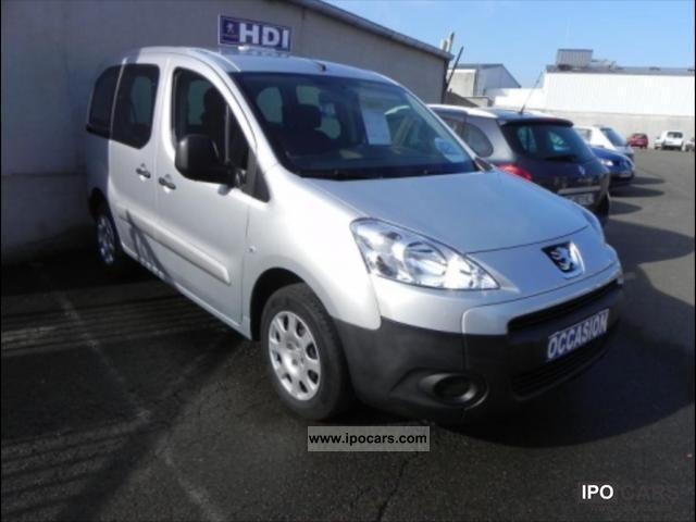 2011 Peugeot  Partner Tepee Loisirs 1.6 16v Hdi 92 cv Van / Minibus Used vehicle photo