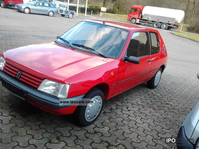 1995 Peugeot  205 Automatic Small Car Used vehicle photo
