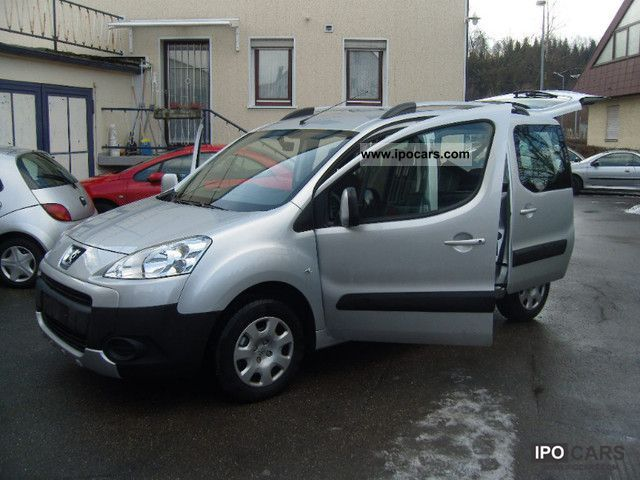 2011 Peugeot  Partner Tepee HDi FAP 90 Tendance Van / Minibus Used vehicle photo