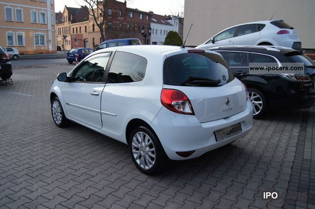 2010 renault clio dynamique 1 2 16v 75 car photo and specs. Black Bedroom Furniture Sets. Home Design Ideas