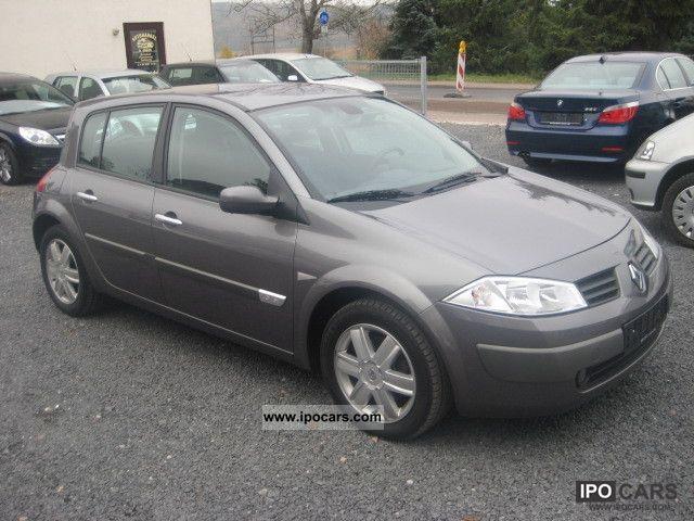 2005 Renault  Megane 1.6 Dynamique Confort * Klimaaut * Alloy wheels * Limousine Used vehicle photo