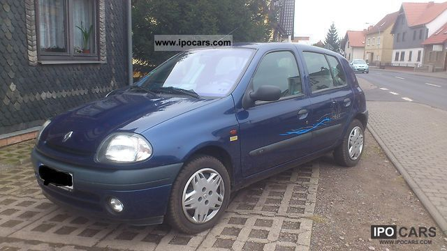 2000 Renault  Clio 1.4 RT Small Car Used vehicle photo