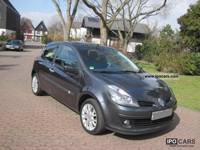 2006 Renault  Clio 1.6 16V Dynamique ESP Edition Small Car Used vehicle photo