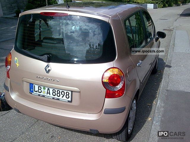 2007 Renault  1.6 16V Dynamique mode Small Car Used vehicle photo