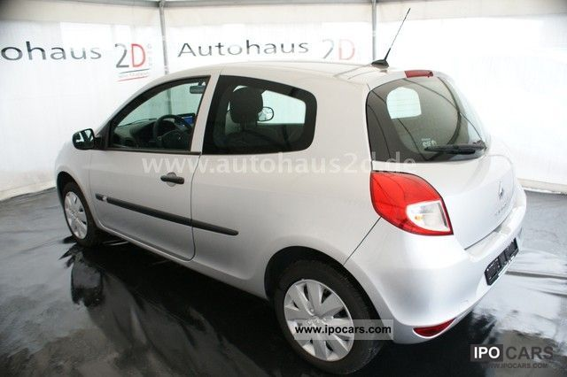 2010 renault clio 1 2 16v 75 climate 1 navi16 9 hand car photo and specs. Black Bedroom Furniture Sets. Home Design Ideas