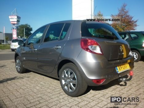 2010 renault drs tce 100 clio 5 pk collection car photo and specs. Black Bedroom Furniture Sets. Home Design Ideas