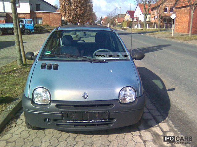 2004 renault twingo 1 2 car photo and specs. Black Bedroom Furniture Sets. Home Design Ideas