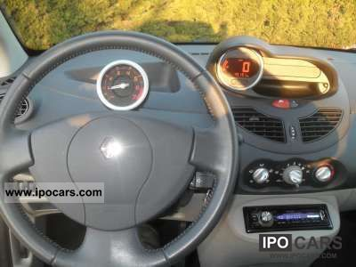 2007 renault twingo 1 2 16v dynamique car photo and specs. Black Bedroom Furniture Sets. Home Design Ideas