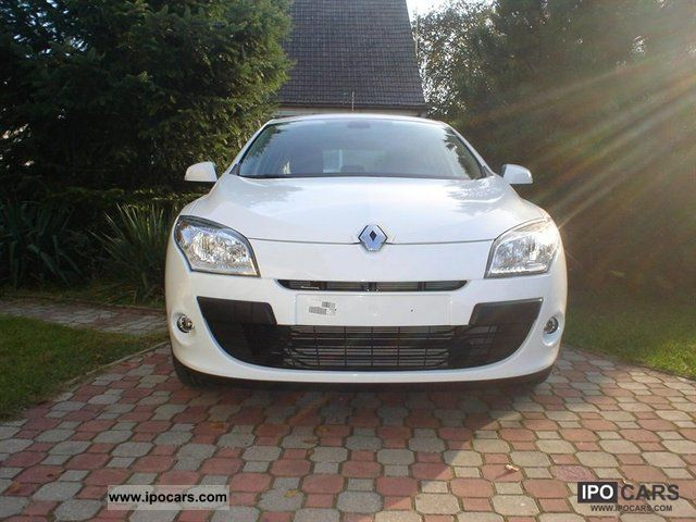 2009 renault megane 3 car photo and specs. Black Bedroom Furniture Sets. Home Design Ideas