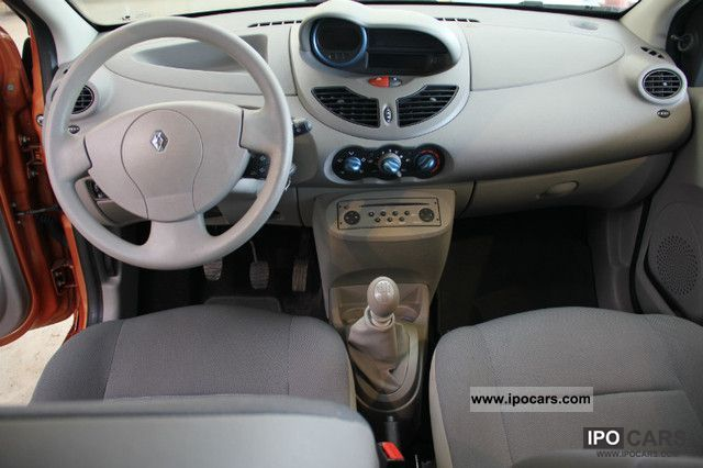 Image gallery 2007 renault twingo for Interieur twingo 2