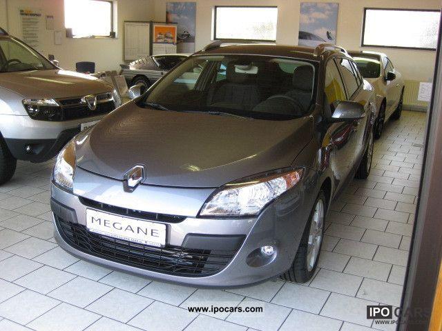 2012 Renault  Megane Dynamique dCi 110 FAP Estate Car Demonstration Vehicle photo