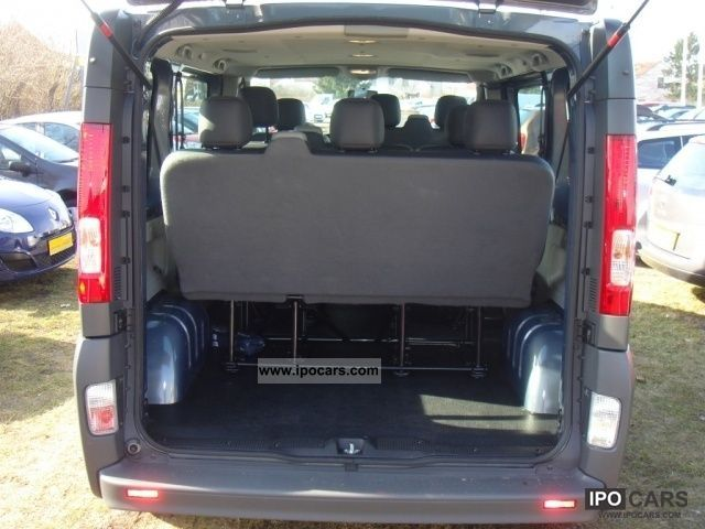 2011 renault trafic 9 seater combi 2 0 dci climate top. Black Bedroom Furniture Sets. Home Design Ideas