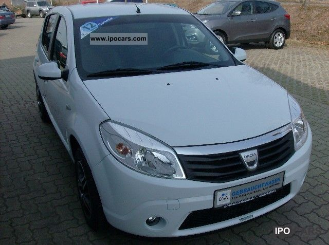 2008 renault dacia sandero car photo and specs. Black Bedroom Furniture Sets. Home Design Ideas