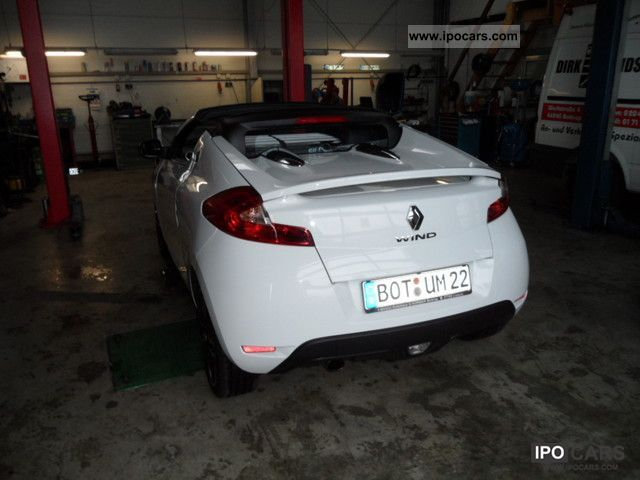 2010 Renault Wind TCe 100 Night and Day Cabrio / roadster Used vehicle ...