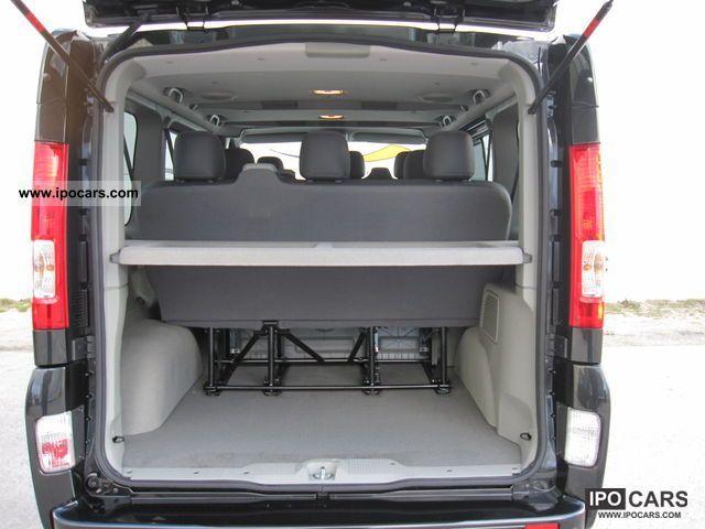 2012 renault trafic 2 0 dci 115 passenger black edition. Black Bedroom Furniture Sets. Home Design Ideas