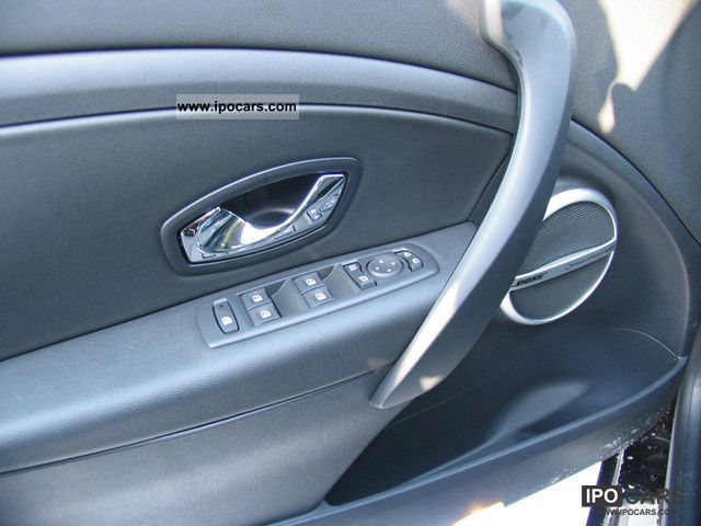 2012 renault luxe megane dci 130 fap pdc navi bose car photo and specs. Black Bedroom Furniture Sets. Home Design Ideas