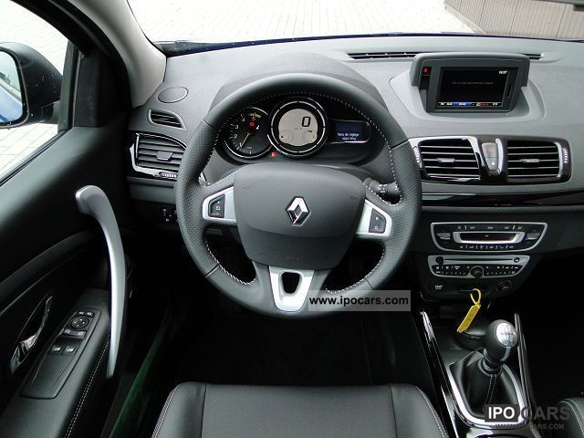 2012 renault megane coupe 9 1 dci130 fap iii bose eco. Black Bedroom Furniture Sets. Home Design Ideas