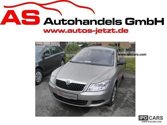 2011 Skoda  Octavia Combi 1.4 TSI III, RCD, Climatic, Parkpi Estate Car New vehicle photo
