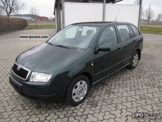2002 Skoda  Combi Fabia 1.4 Comfort / CHECKBOOK Estate Car Used vehicle photo