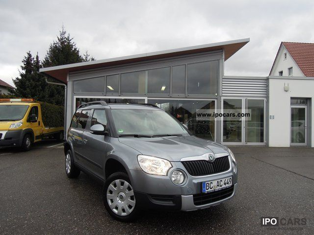 2011 Skoda  Yeti 2.0 TDI Active Plus edition / PDC / AIR Off-road Vehicle/Pickup Truck Employee's Car photo