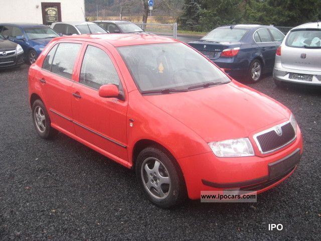 2001 Skoda  Fabia 1.4 16V Comfort * ALU * WR * ZV * el.FH * EURO4 * Small Car Used vehicle photo