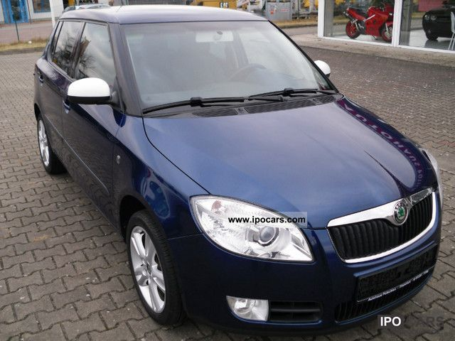 2007 skoda fabia 1 4 16v sport car photo and specs. Black Bedroom Furniture Sets. Home Design Ideas
