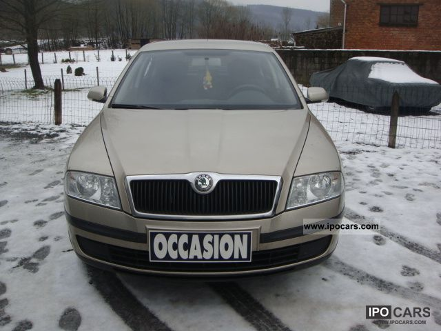 2005 Skoda  Octavia 1.6 FSI AIR Limousine Used vehicle photo