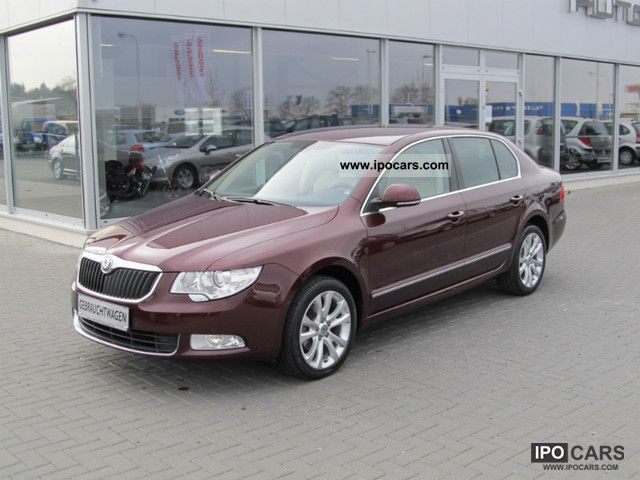 2010 Skoda  Superb 1.9 TDI Elegance / Leder/Navi/17Zoll/1.Hd / Limousine Used vehicle photo