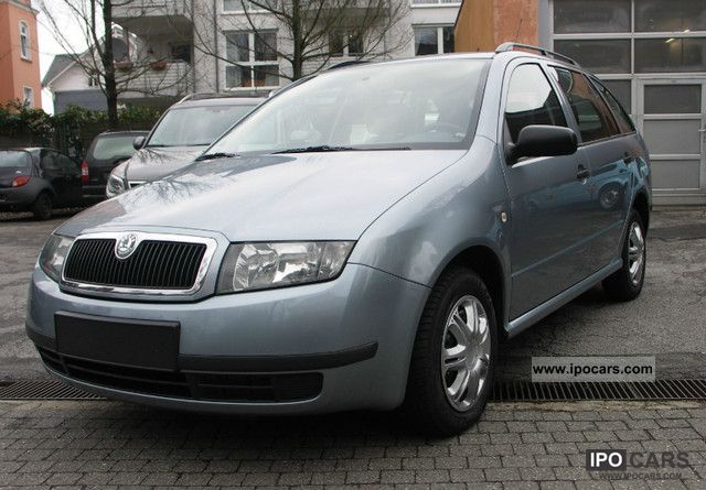 2004 Skoda  Fabia Combi 1.2 HTP Estate Car Used vehicle photo