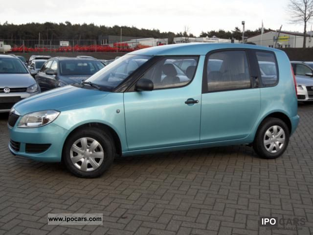 2012 Skoda  85 hp 1.2 TSI Roomster Active with 4 airbags, ... Small Car Pre-Registration photo