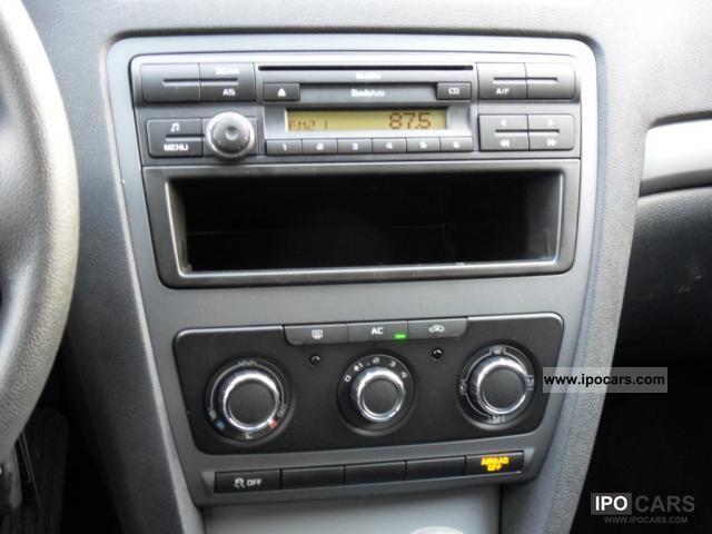 2011 skoda octavia 1 4 tsi iii mint air radio cd car. Black Bedroom Furniture Sets. Home Design Ideas