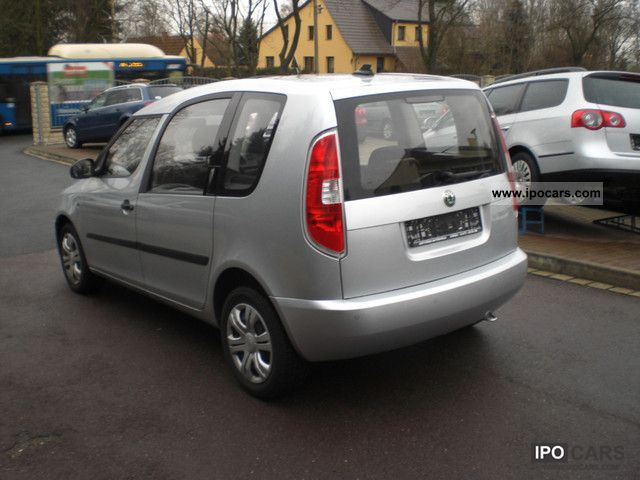 2010 skoda roomster 1 6 tdi plus edition neuesmodel car photo and specs. Black Bedroom Furniture Sets. Home Design Ideas