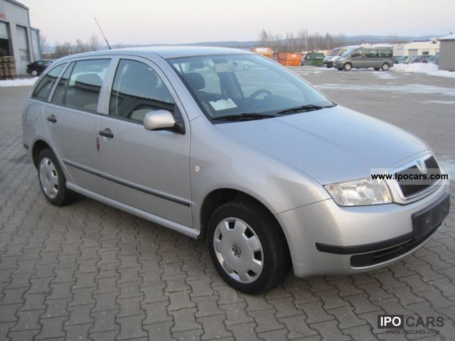 2004 skoda fabia combi 1 4 16v automatic car photo and specs. Black Bedroom Furniture Sets. Home Design Ideas
