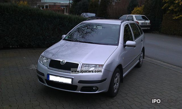 2004 skoda fabia combi 1 4 16v car photo and specs. Black Bedroom Furniture Sets. Home Design Ideas