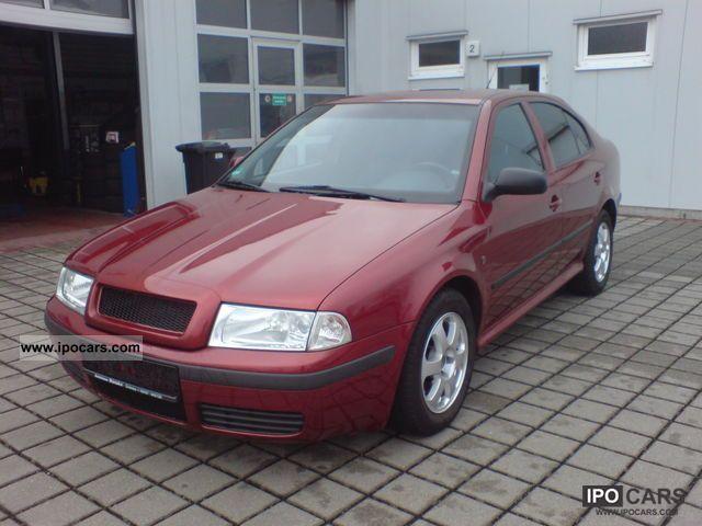 2001 Skoda  Octavia 2.0 Ambiente Limousine Used vehicle photo