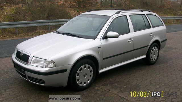 2002 Skoda  Octavia Combi 2.0 Comfort checkbook GEPF. Estate Car Used vehicle photo