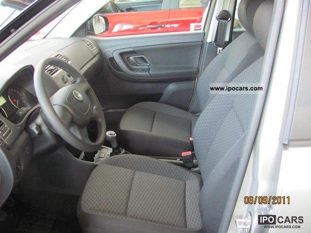 2011 Skoda  Fabia Combi 1.2 TSI Ambition SHZ * PDC * NSW * MFA * DR Estate Car New vehicle photo
