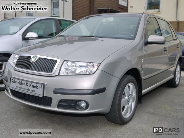 2006 skoda fabia 1 4 elegance climate pdc car photo and specs. Black Bedroom Furniture Sets. Home Design Ideas
