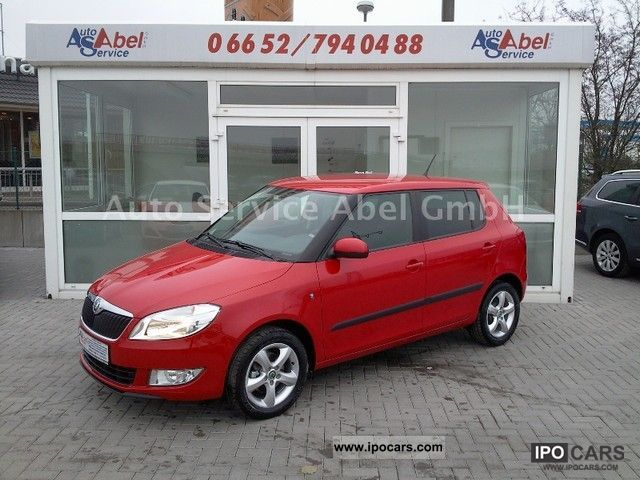 2011 skoda fabia 1.2tsi ambition plus 4 year warranty - car photo