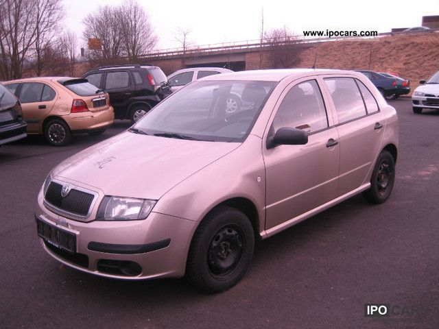 2005 Skoda  Fabia 1.2 HTP Classic air EURO4 Small Car Used vehicle photo