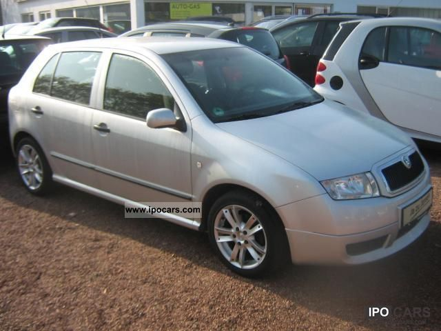 2004 skoda fabia 1 4 16v extra car photo and specs. Black Bedroom Furniture Sets. Home Design Ideas