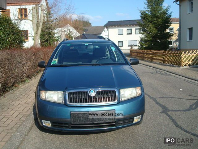 2003 Skoda  Fabia 1.2 HTP Classic Combi Estate Car Used vehicle photo