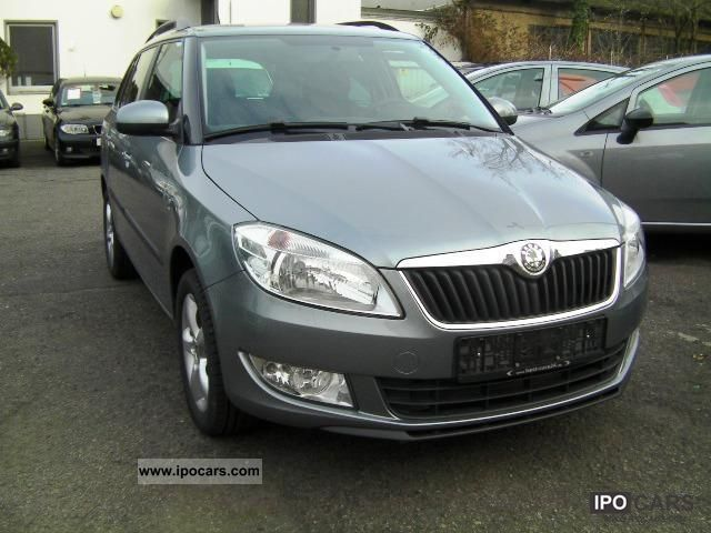 2011 Skoda  Fabia 1.2 TSI * Air, ZV m. Radio, aluminum 15 ', Estate Car New vehicle photo