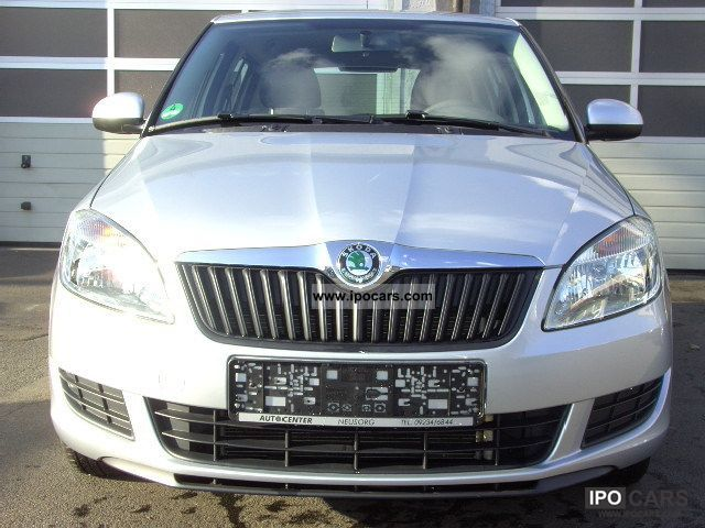 2010 Skoda  Fabia 1.2 HTP Small Car Used vehicle photo